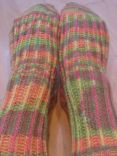 Bird of Paradise socks, finished! (1)