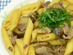 豚細切れ肉とナスのバルサミコ風味パスタ2