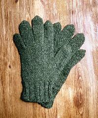 vihreät hanskat 1