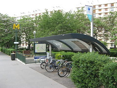 RATP Bike Shelter (brunoboris) Tags: paris bike bicycle metro bicyclette velo bikerack ratp bikeparking abris pontdesevres boulougne bikeshelter