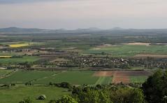 Tapolcai medence bazalt hegyei a horizonton - Somlrl (Katpix) Tags: landscape geotagged hungary osztlytallkoz tjkp katpix kmo badacsony magyarorsyg tapolcaimedence geo:lat=47145832 geo:lon=17370758