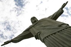 Cristo redendor (iko) Tags: rio statue brasil riodejaneiro bresil screensaver jesus christtheredeemer corcovado christo chirst interestingness404 i500 cristoredendor