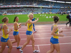 20050826 Suomi-Ruotsi Gteborg stafet damer (Matti Vesterinen) Tags: athletics sweden gothenburg relays ullevi carolinaklft finnkampen suomiruotsi finswe 4x100m susannakallur jennykallur emmarienas