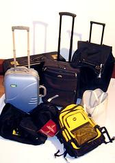 Diverse Reisetaschen und Koffer (zipfel & frogi) Tags: liquidation birmensdorferstrasse199 hausrat reisetaschen taschen sporttaschen koffer reisekoffer