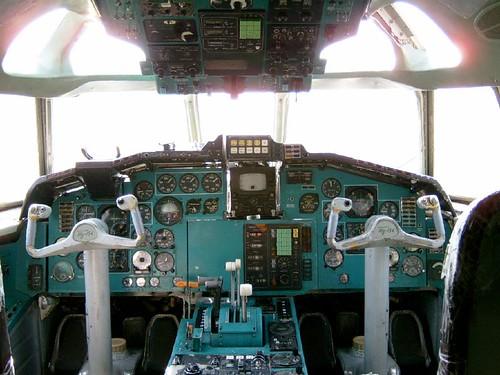 Cockpit i Tupolev 154