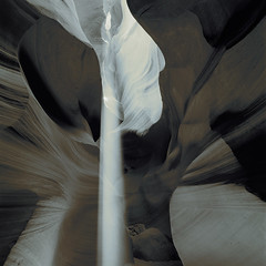 Ray of light in Antelope Canyon #1 (DH Kong) Tags: light arizona bw square landscape sandstone slotcanyon antelopecanyon splittone