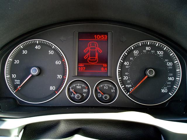 2005 volkswagen jetta dashboard 25l ?????