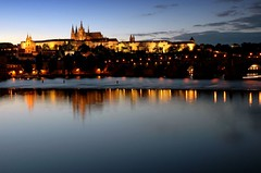 Prague cathedral and castle (cuellar) Tags: blue castle topf25 topc25 topv111 architecture 1025fav 510fav wow wonder geotagged topv333 nightshot czech prague nikond70 favme praha praga 100v10f cuellar cuellar2005top20 geo:lat=50083224 geo:lon=14413204