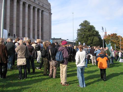Una manifestación frente al parlamento de Finlandia