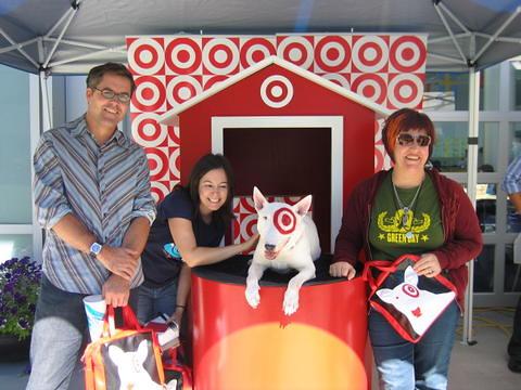 Bullseye, the Target Dog, visits Yahoo