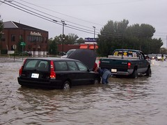 Bridge Street (US 17) (General Wesc) Tags: flood car truck uploadedbyluca washingtonnc