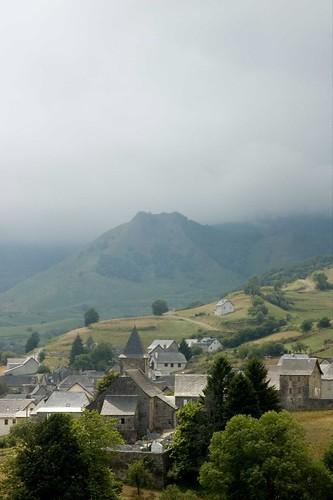 Cloudy Lescun