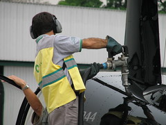 (Daniel Pascoal) Tags: public gas helicopter gasoline robinson fuel 44 helicptero combustvel gasolina helicidade r44 airbp avgas ppmnp danielpg