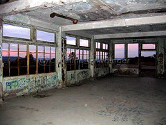 Waverly Hills Sanitorium in Louisville, KY (joschmoblo) Tags: copyright building orb historic haunted creepy spooky orbs allrightsreserved hauntedhouse 2007 waverlyhills waverlyhillssanitorium hauntedplace joschmoblo christinagnadinger