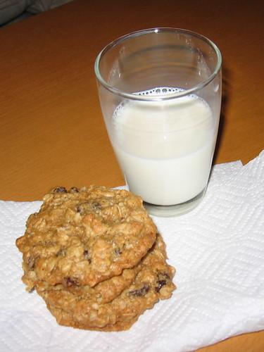 Oatmeal Raisin Cookies (Recipe)