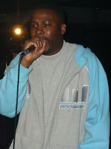 11-22-05 The Genius - GZA @ Crash Mansion (4)