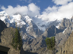 mountains around Karamabad (mjrijnen) Tags: pakistan hunza