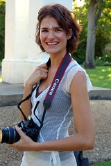 Pretty Photographer Lady (RobW_) Tags: wedding 15fav smile topv111 510fav canon southafrica photographer lovely1 2006 topv222 greatshot february stellenbosch spier moyo feb2006 04feb2006 sethlara
