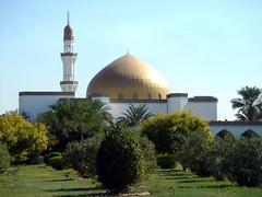back yard (I Love Q8) Tags: architecture mosque kuwait shuwaikh alnassar almarzouq centreforislamicmedicine