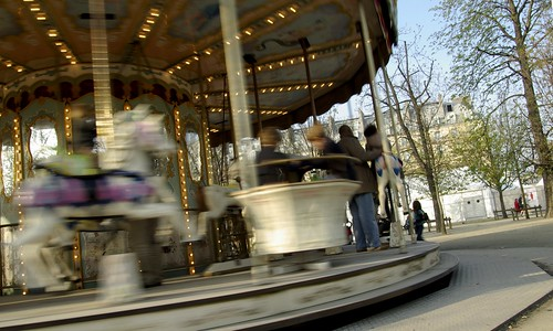 Spring in Paris - Carousel aux tuileries by f.clerc [Le Franck Mickaël de la photo].