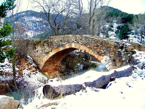 El puente medieval sobre el río Valdelinares (I) por .Bambo..