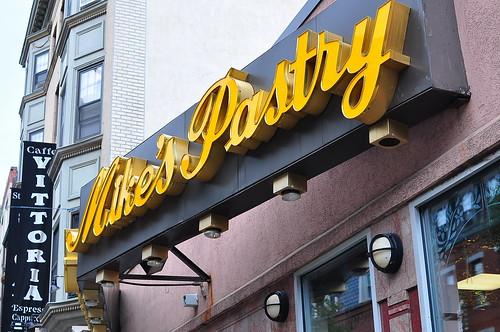 Mike's Pastries - Boston