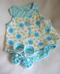 Summer Sandals - Aqua (WendysKnitch) Tags: baby handmade crochet booties weetoesandnoggins