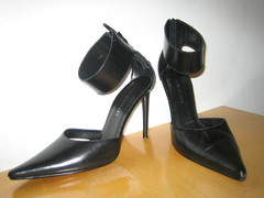 Fave Shoes 02 (CXCGirl) Tags: black shoe shoes pointy strap heel colinstuart