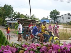 -0007 (soma-samui.com) Tags: children thailand island newyear samui   tourguidesoma soma songklang