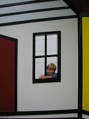Schecky Explores the Lichtenstein House
