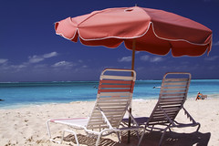 Red Umbrella (WisDoc) Tags: beach umbrella canon sand bravo caribbean turks caicos turksandcaicos providenciales wisdoc gracebaybeach