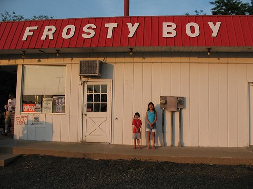 Amanda and Emily at Frosty Boy