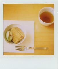 @SADEU (kimicon) Tags: polaroid sx70 500v20f tea sweet 600film oyatsu