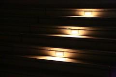 Les trois marches (Pi-F) Tags: marche nuit lumire escalier pierre trois 3 noir