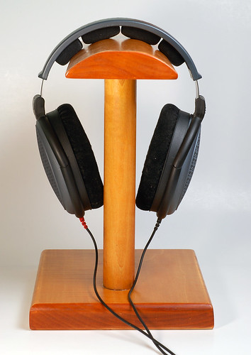 how to make a headphone stand