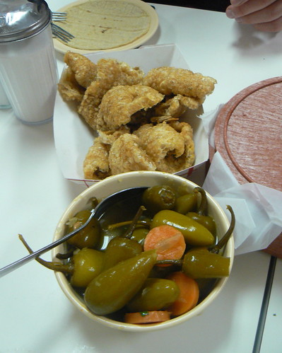 Chicharones y Jalapenos escabeche