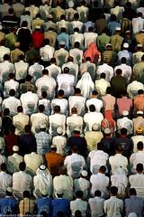 muslim prayers   -        (A.alFoudry) Tags: canon is big muslim islam 2006 mosque 5d 28 kuwait usm ramadan 70200 prayers q8 abdullah   masjed     kuw   xnuzha alfoudry   abdullahalfoudry q8picturescom diamondclassphotographer foudryphotocom   kuwaitvoluntaryworkcenter