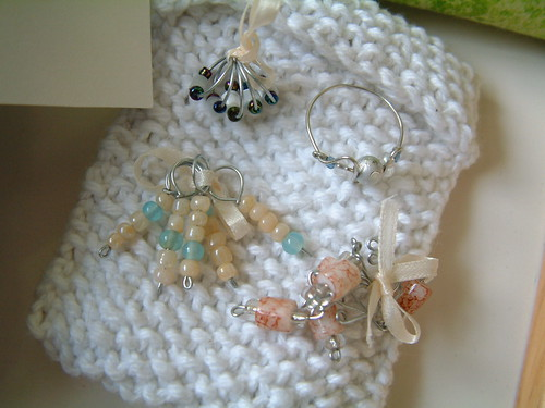 Close Up Stitch Markers and Ring