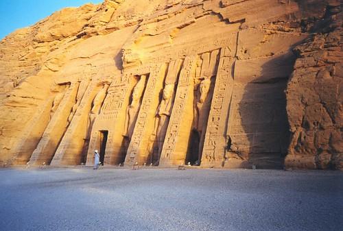 1998 154 Abu Simbel, Nefertari's heiligdom por Hans Ollermann.