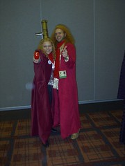 Trillian & Zaphod Beeblebrox (movie version) (Loadhan) Tags: sf columbus trillian fantasy convention scifi sciencefiction thehitchhikersguidetothegalaxy 2007 zaphodbeeblebrox marcon