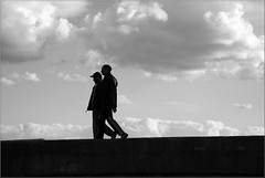 SILHOUETTES (ABUELA PINOCHO ) Tags: espaa eye byn silhouette port contraluz puerto spain bravo silouette paseo silueta espagne soe siluetas castellon paseando blueribbonwinner burriana mywinners shieldofexcellence ltytrx5 ltytr2 ltytr1 ltytr3 ltytr4 goldenphotographer diamondclassphotographer flickrdiamond blackwhiteaward excellentphotographersaward superlativas primeraclase a3b photoexplore photosexploregroup
