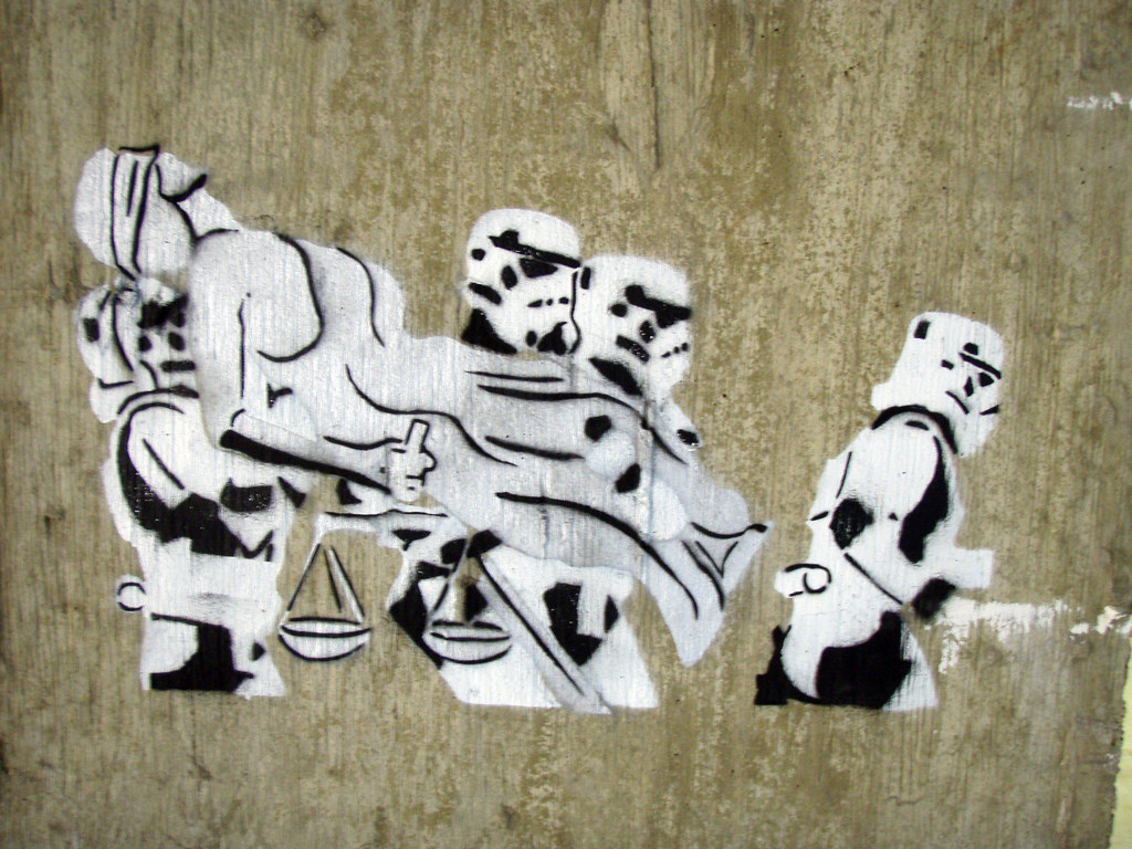 Justicia daquella manera tags justice starwars stencil stormtroopers kidnapping va stormtrooper crystalcity darkside
