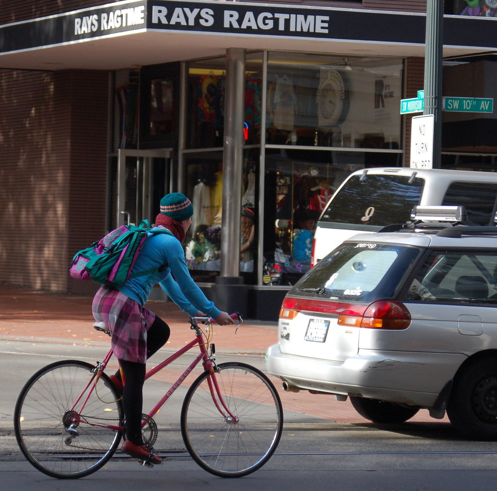 bike_girl_rays_SW_10th_cropped