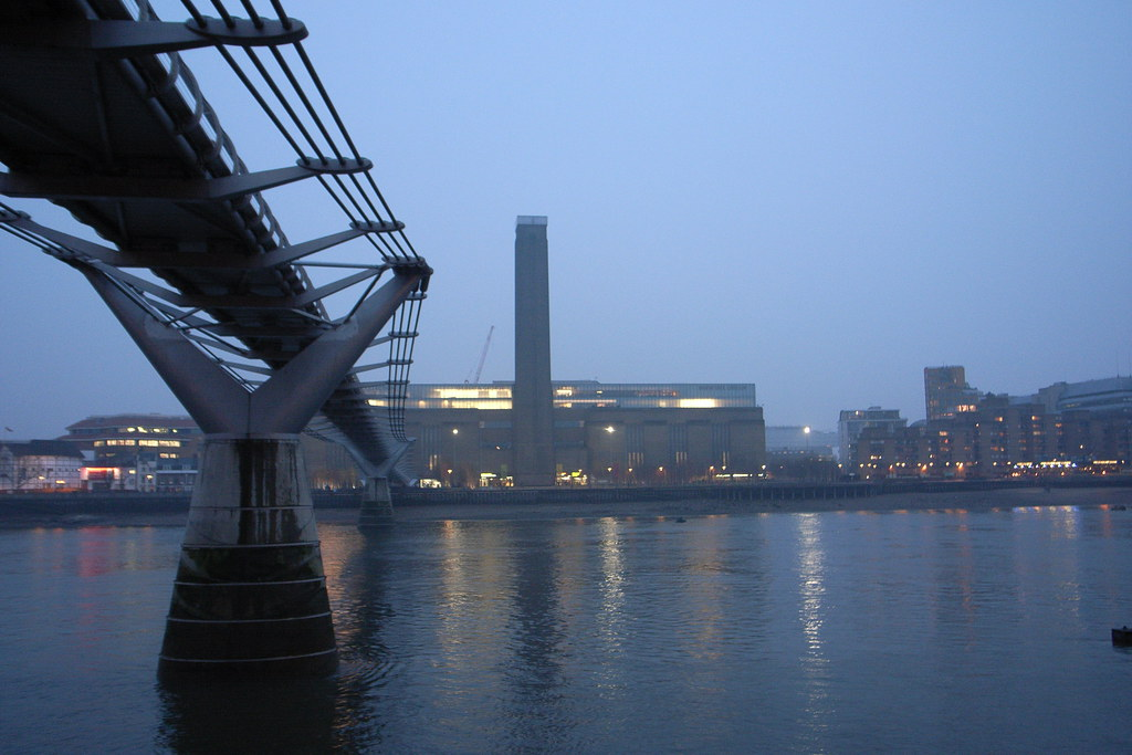 bridge to Tate Modern