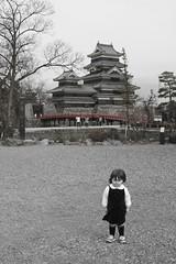 Oneness @ castle (Steve-kun) Tags: red bw japan pale jp nagoya matsumoto dull nihon flickrcom stephendraper  httpwwwflickrcomgroupsforeveryone templesshrinescastlesofjapan stevedraperpictures draperphotography stephendraperphotography  flickrjp flickrflickr jpcom