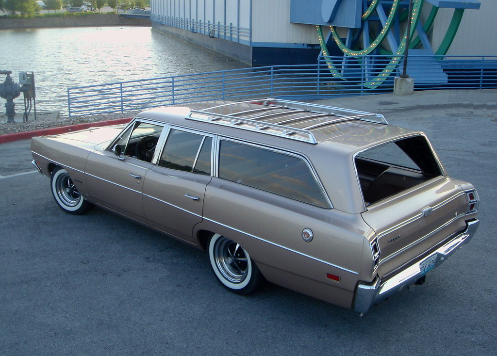 1969 Dodge Coronet Wagon 050A1