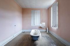 Thirst (www.nicolabertellotti.com) Tags: decay decadenza urbex abbandono abbandonato abbandonata abandoned vasca room bathroom bath