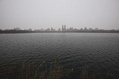 J.O. Reservoir (davegkugler) Tags: city trip vacation newyork haze centralpark reservoir hazy 1ds2 1635ii davegkugler