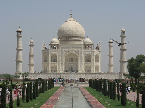 The Breathtaking Taj Mahal (view large)