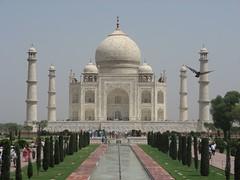 The Breathtaking Taj Mahal (view large)